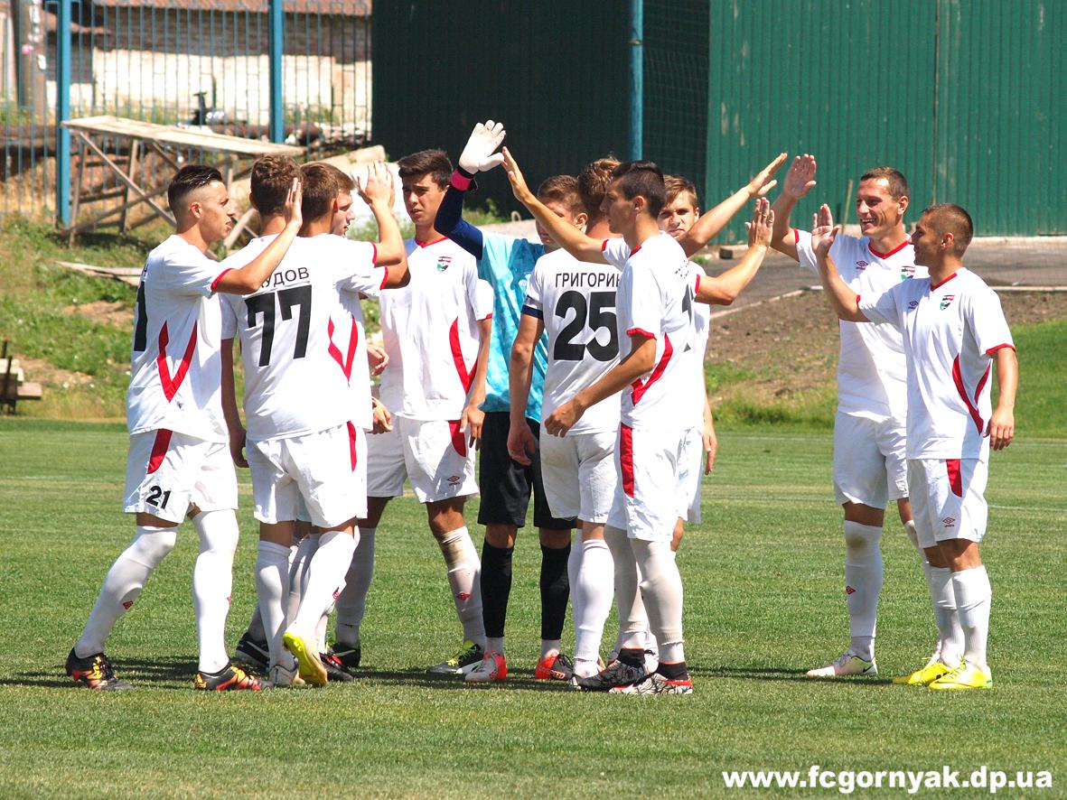 Заключительный матч «Горняка» с  ХФК «Пенуэл» показал результаты 4:0