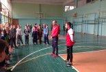 Евгений Арбузов и Максим Маслов провели урок футбола в школе №21